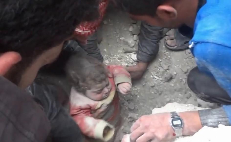 zakopano dijetu u bombardiranju sirijskog grada aleppo
